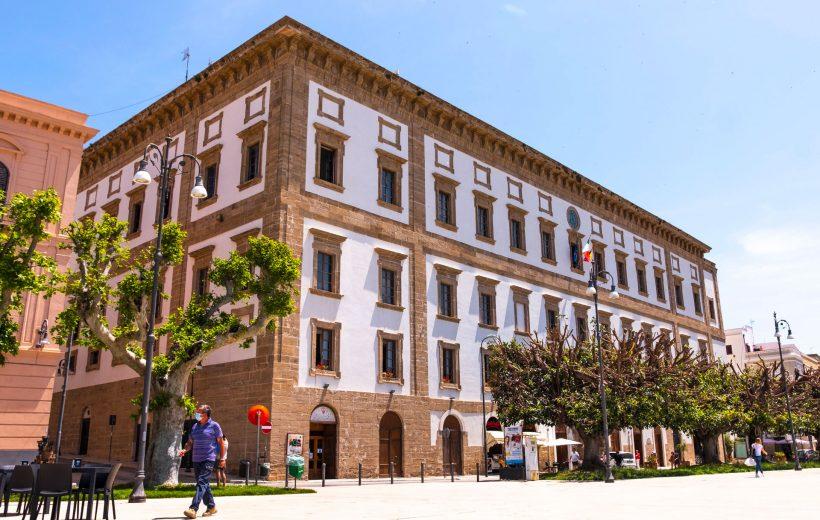 Municipio e Piazza Scandaliato